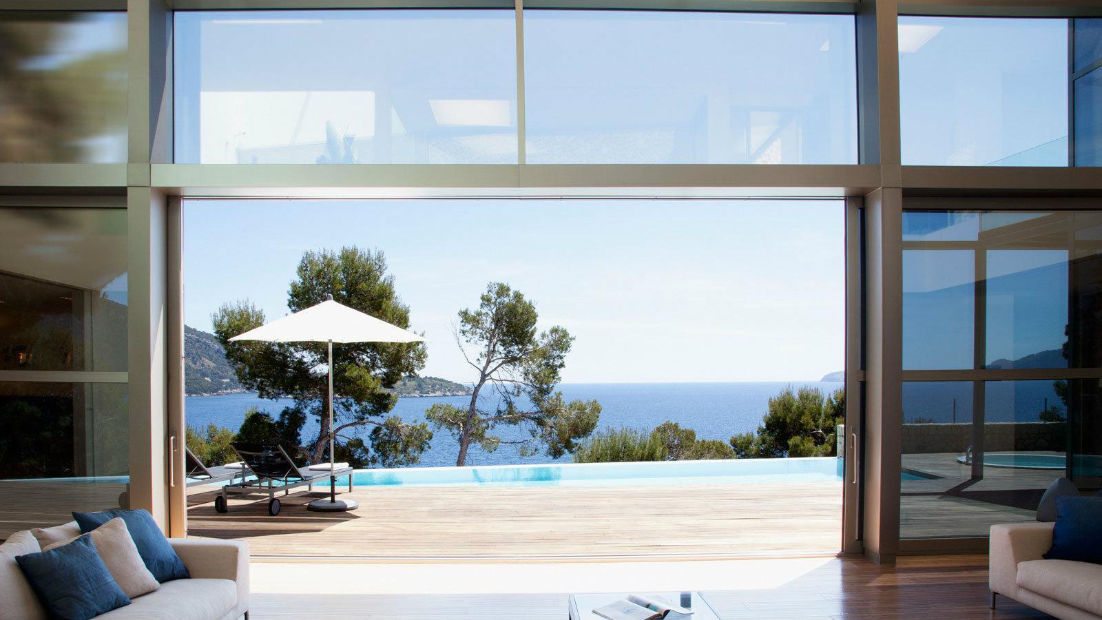Τα προϊόντα τους είναι στην διάθεση κάθε Έλληνα που κατασκευάζει, ανακαινίζει, επισκευάζει και θωρακίζει ενεργειακά την κατοικία του